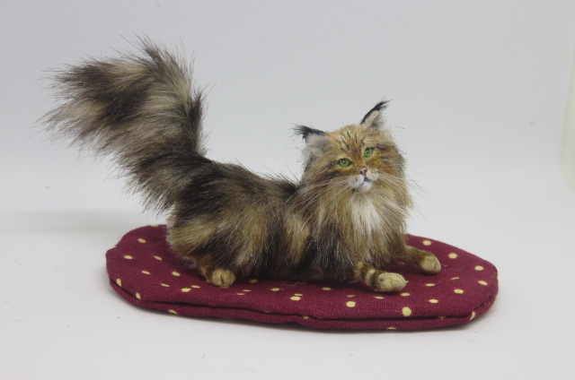 Handmade Miniature 1:12 scale Maine Coon Cat